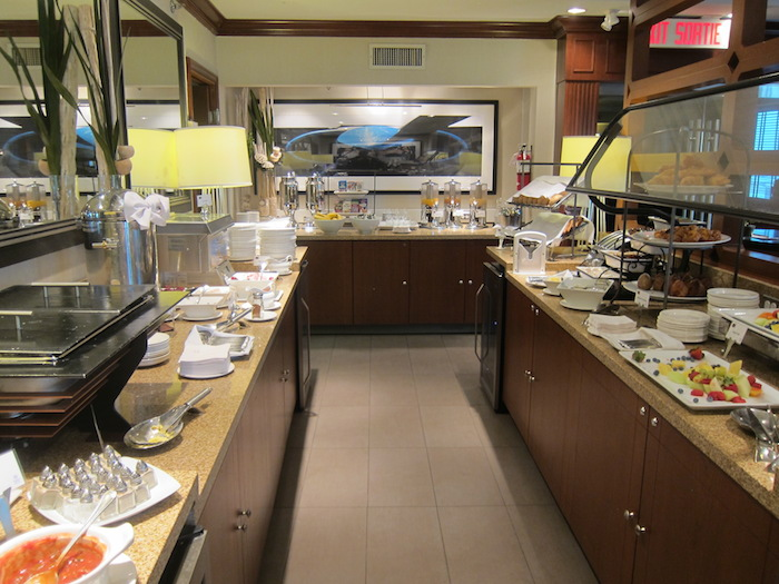 Do you tip in hotel club lounges one mile at a time for Best airport lounge program