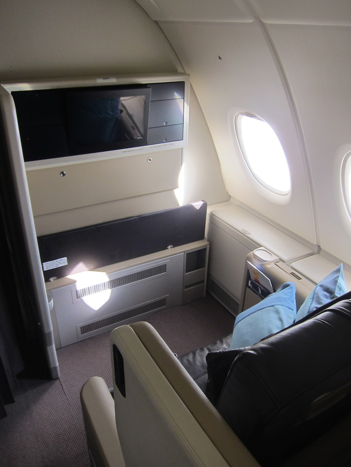 Best Singapore Airlines A380 Business Class Seat? - One