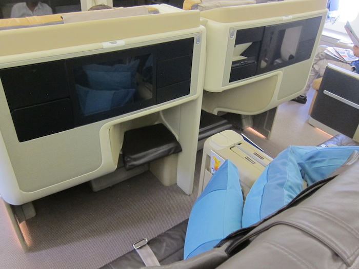 Singapore-Airlines-A380-Business-Class-5