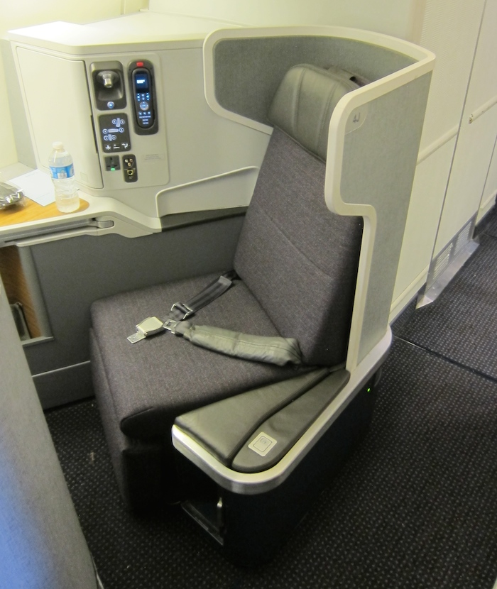 American-Business-Class-HKG-9