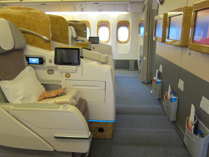 Emirates-777-Business-Class-2
