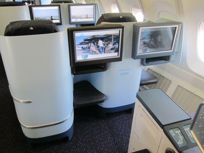 KLM-Business-Class-747-06