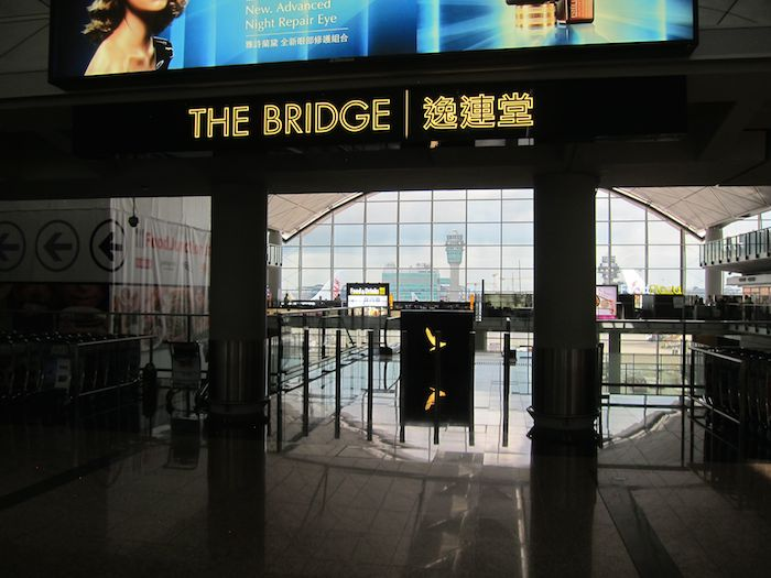 Cathay-Pacific-The-Bridge-Lounge-11