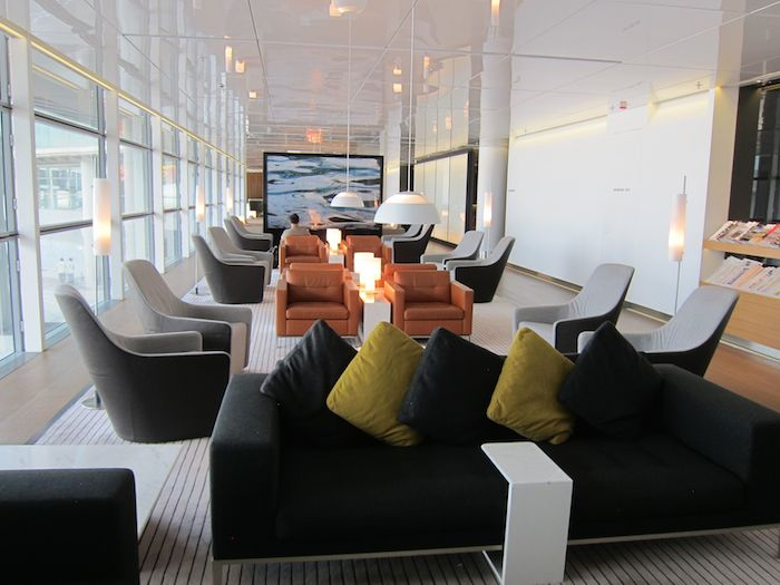 Cathay Pacific The Bridge Lounge 15