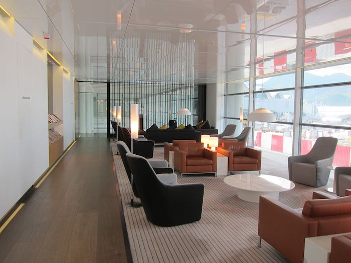 Cathay-Pacific-The-Bridge-Lounge-16