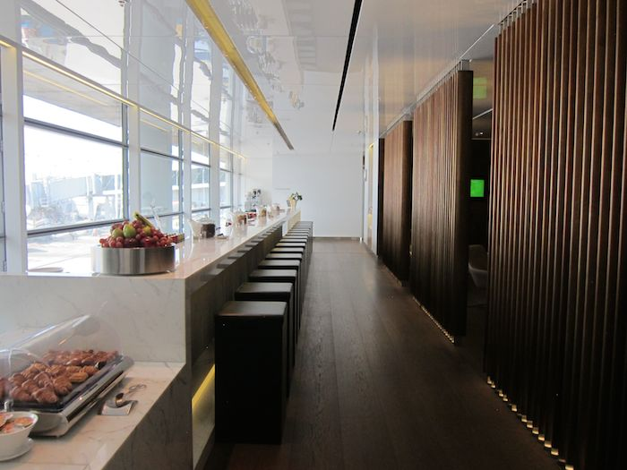 Cathay-Pacific-The-Bridge-Lounge-25