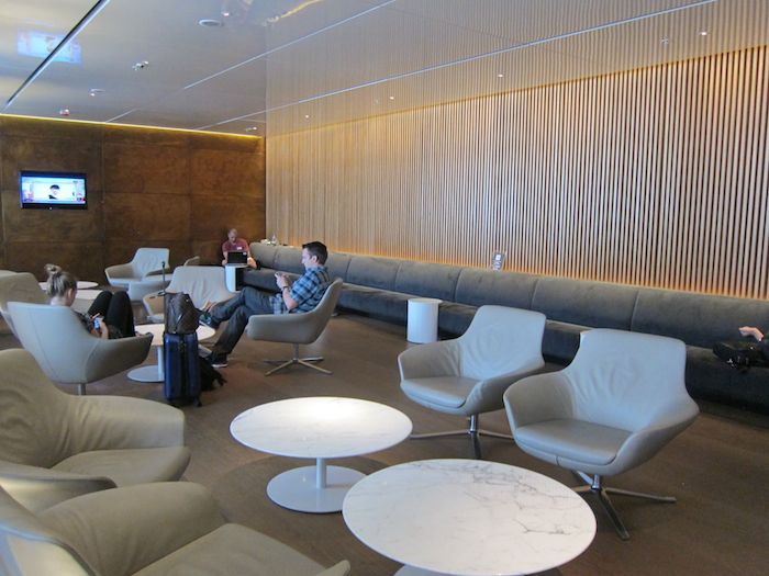 Cathay-Pacific-The-Bridge-Lounge-30