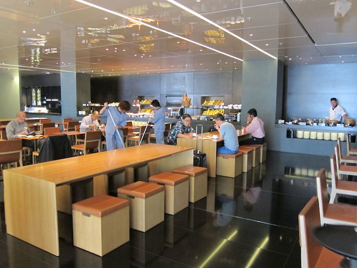 Cathay-Pacific-The-Bridge-Lounge-32