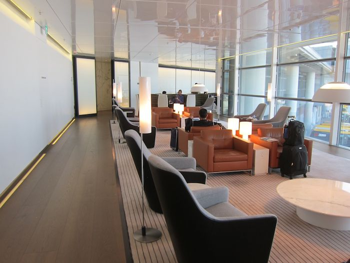 Cathay-Pacific-The-Bridge-Lounge-50