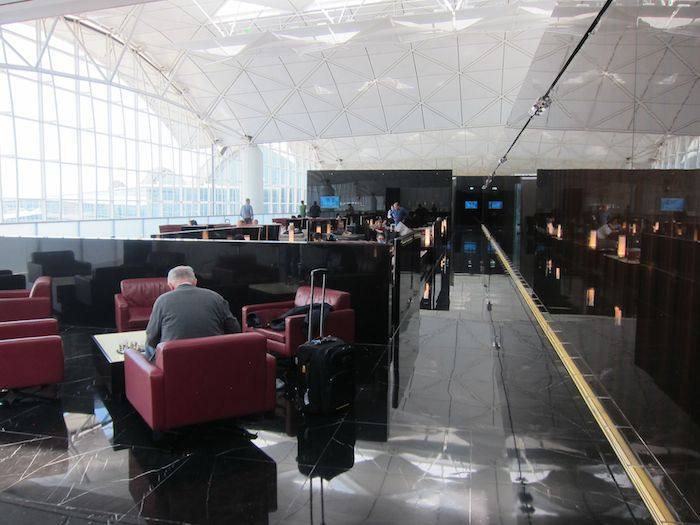 Cathay-Pacific-The-Wing-Lounge-07