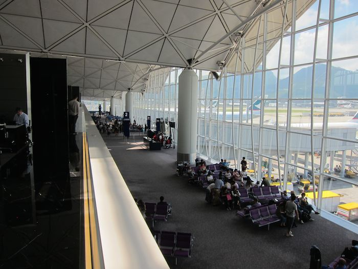 Cathay-Pacific-The-Wing-Lounge-08