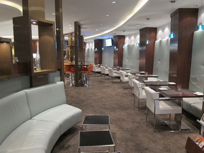 Review Etihad Airways Business Class Lounge Abu Dhabi