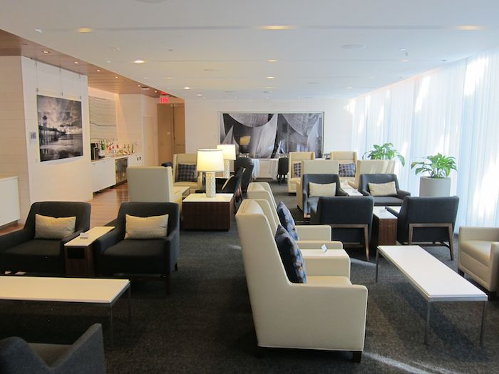 Star Alliance First Lounge Lax 15
