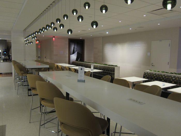 Star-Alliance-Lounge-LAX-12