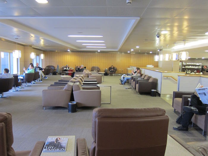 Review American Airlines Flagship Lounge London Heathrow