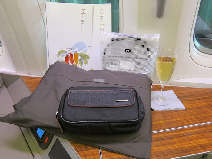 Cathay-Pacific-Amenities
