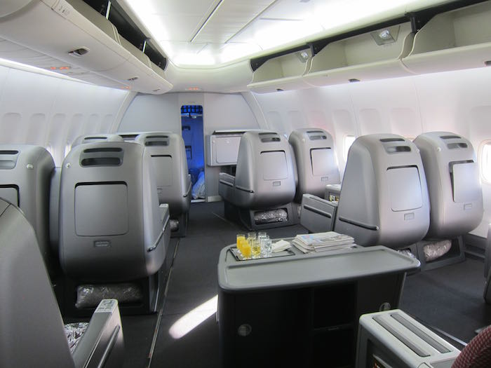 qantas business class review 747 400