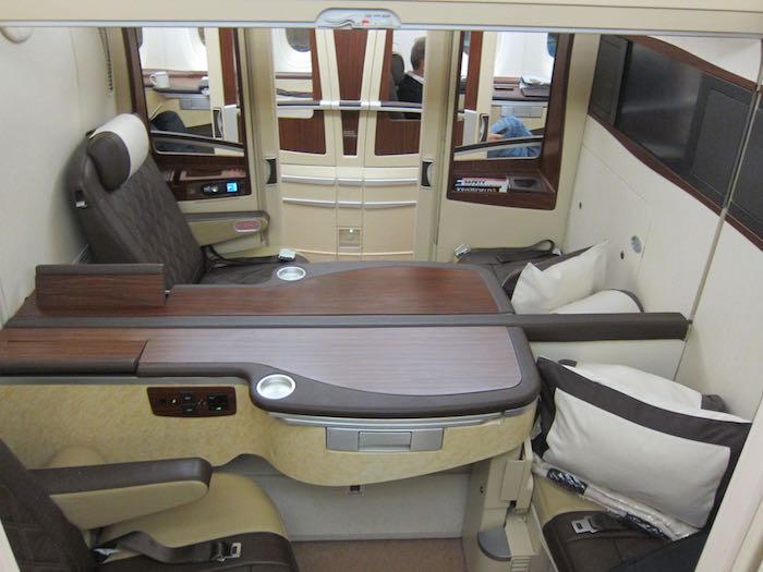 Singapore-A380-Suites-Class-05