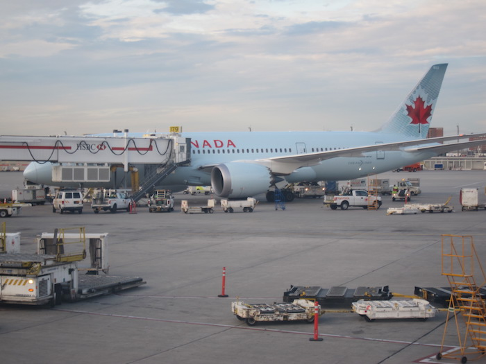 Images of air canada flight to toronto from vancouver today