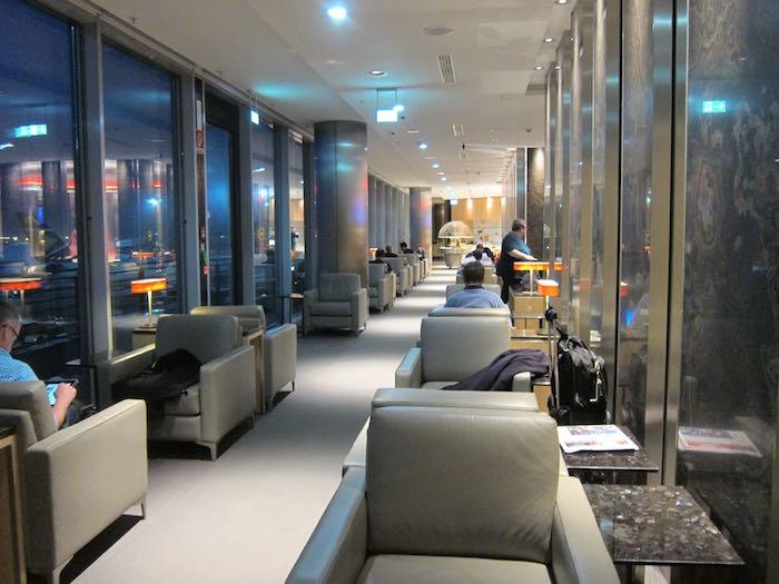 Air-Canada-Lounge-Frankfurt-11