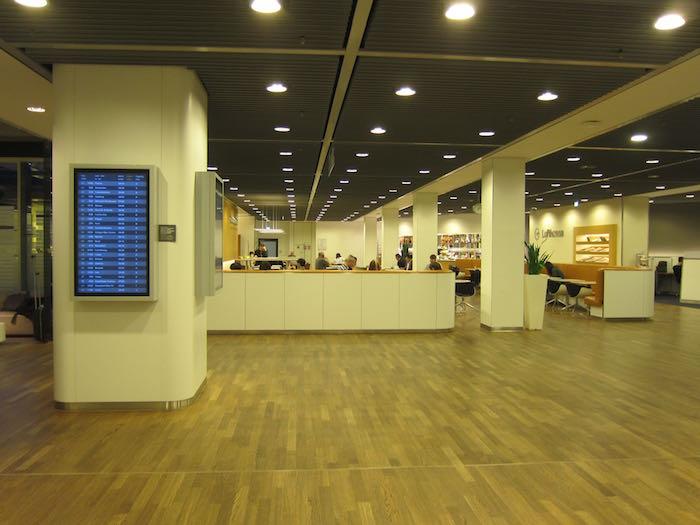 Lufthansa-Senator-Lounge-Frankfurt-14