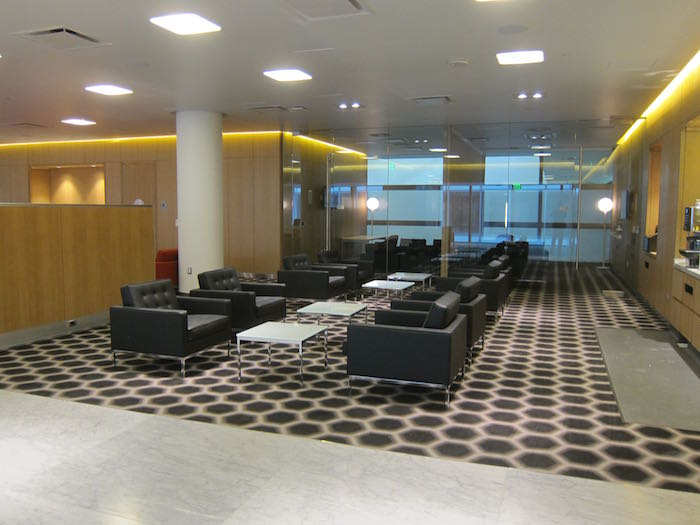 Qantas-First-Lounge-LAX-05