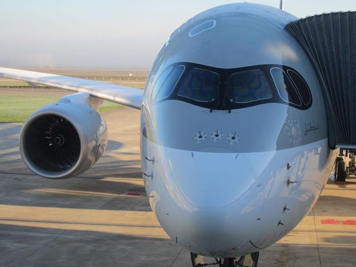 Qatar-Airways-A350-03