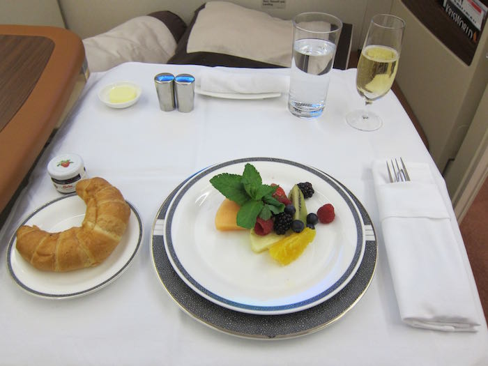 Singapore-Airlines-A380-Suites-38