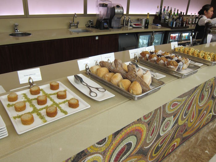 Emirates-First-Class-Lounge-Dubai-41