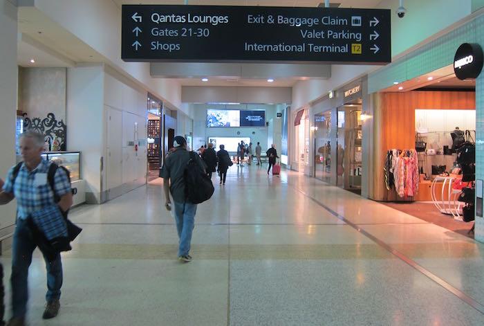 Qantas-Club-Melbourne-Airport-05