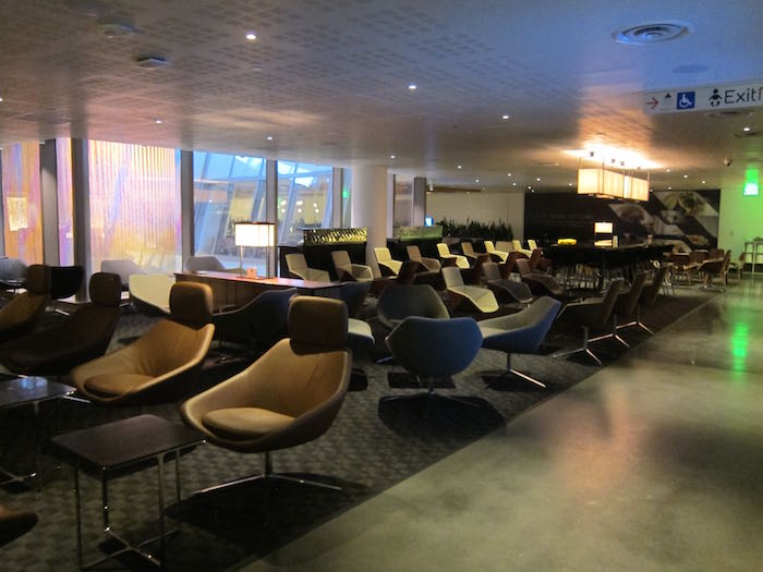 oneworld-lounge-LAX-17