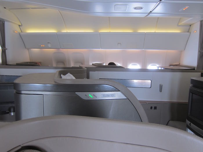 Cathay-Pacific-First-Class-05