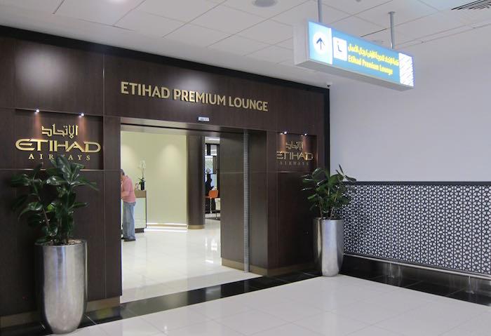 Etihad-Lounge-Abu-Dhabi-11