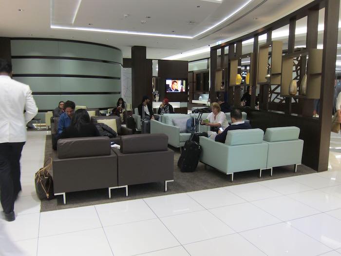 Etihad-Lounge-Abu-Dhabi-23