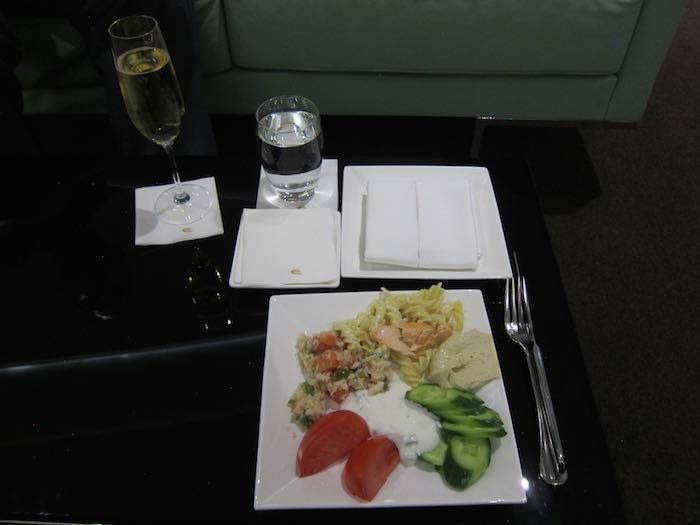 Etihad-Lounge-Abu-Dhabi-61