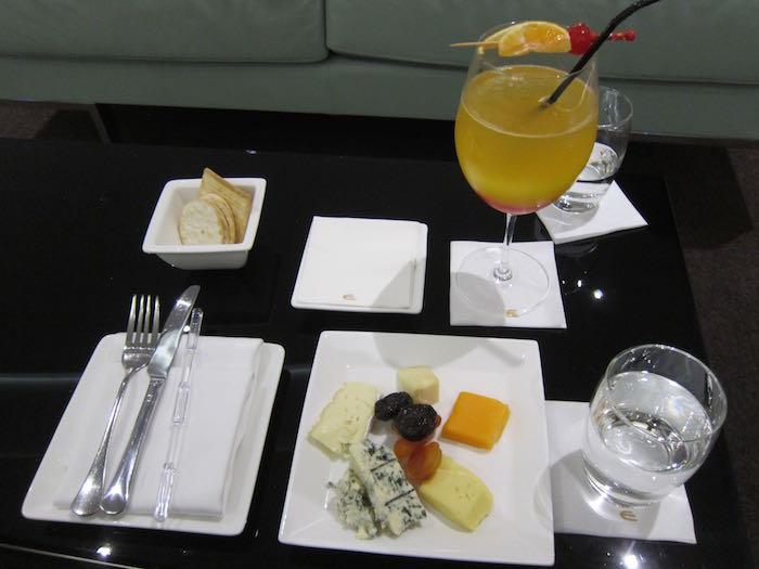Etihad-Lounge-Abu-Dhabi-63