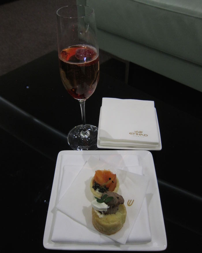 Etihad-Lounge-Abu-Dhabi-67