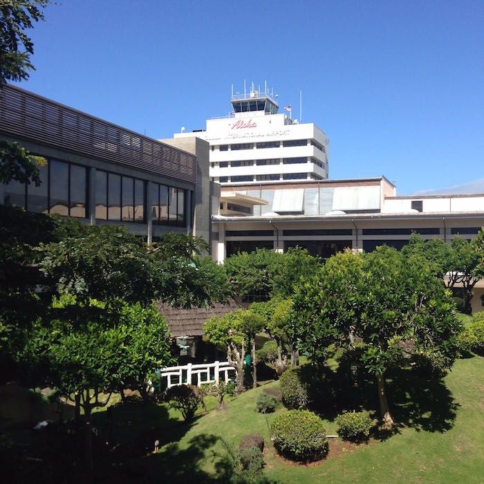 Admirals-Club-Honolulu-Airport-02