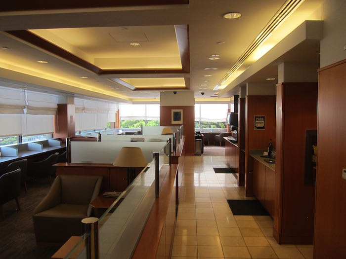 Admirals-Club-Honolulu-Airport-07