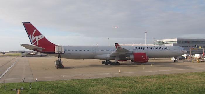 American-First-Class-777-33