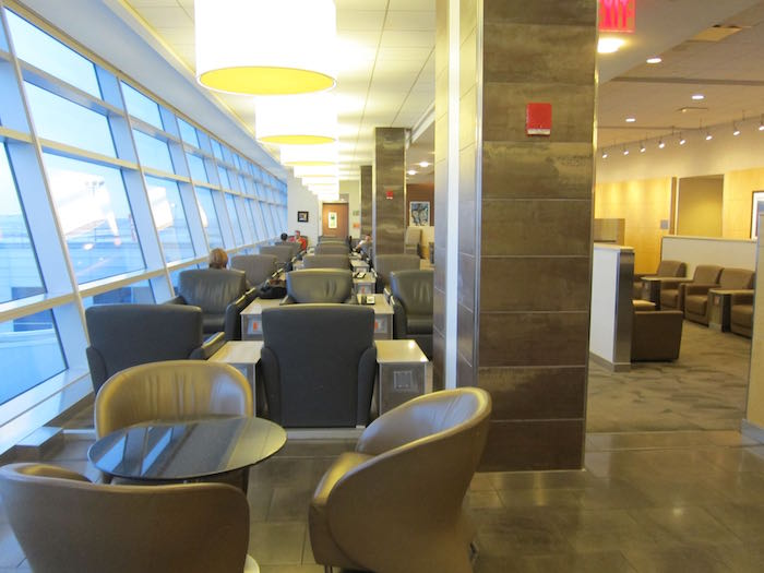 American-Flagship-Lounge-New-York-13
