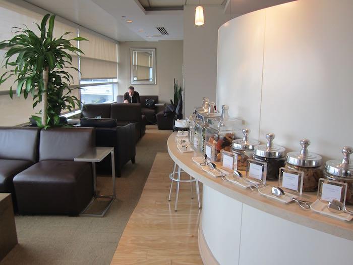 Review British Airways Galleries First Class Lounge