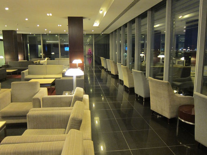 Cathay-Pacific-Lounge-London-06