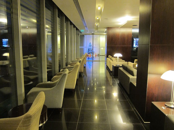 Cathay-Pacific-Lounge-London-09
