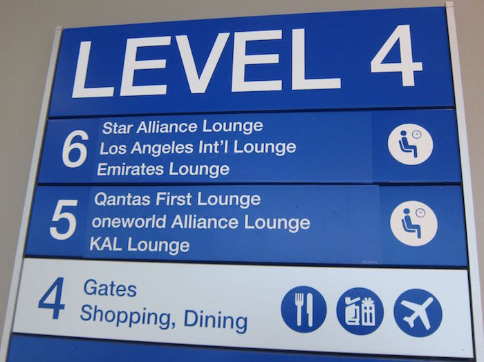 Emirates-Lounge-LAX-Airport-03