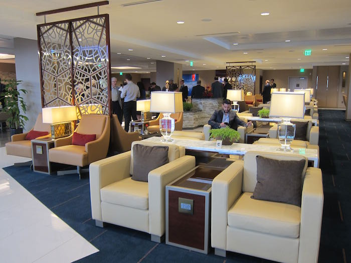 Emirates-Lounge-LAX-Airport-14