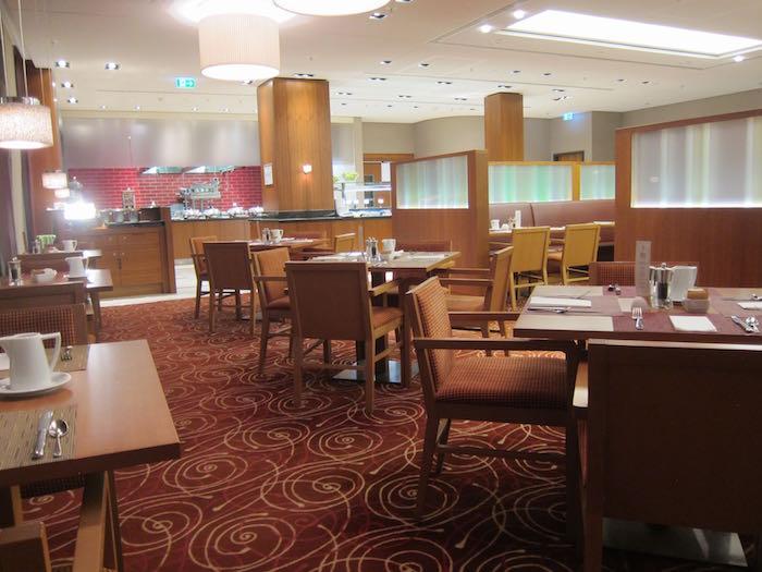Hilton-Garden-Inn-Frankfurt-Airport-22