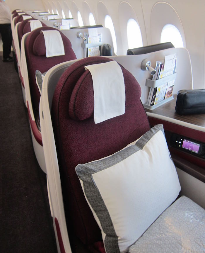 Qatar-Airways-A350-Business-Class-08