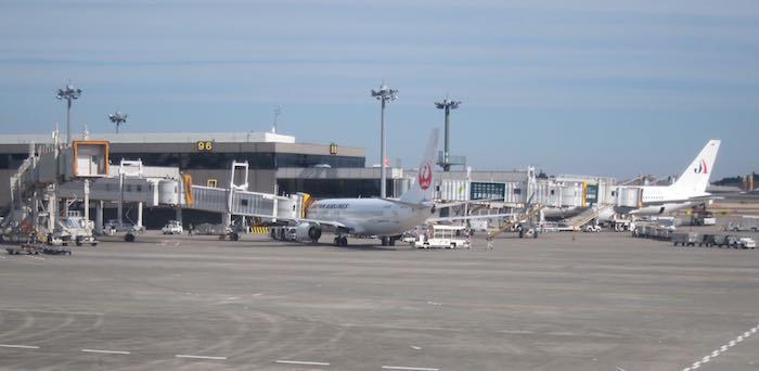 JAL-First-Class-777-04