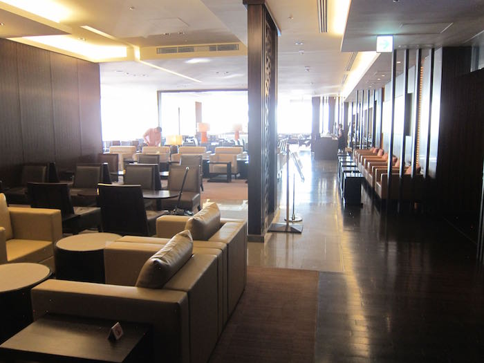 Japan-Airlines-First-Class-Lounge-Tokyo-05